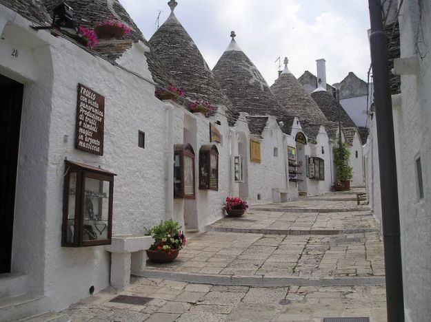 Trulli houses from my-italy-piedmont-marche-and-more dot com
